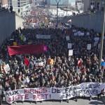 835947-manifestation-ete-declaree-illegale-avant